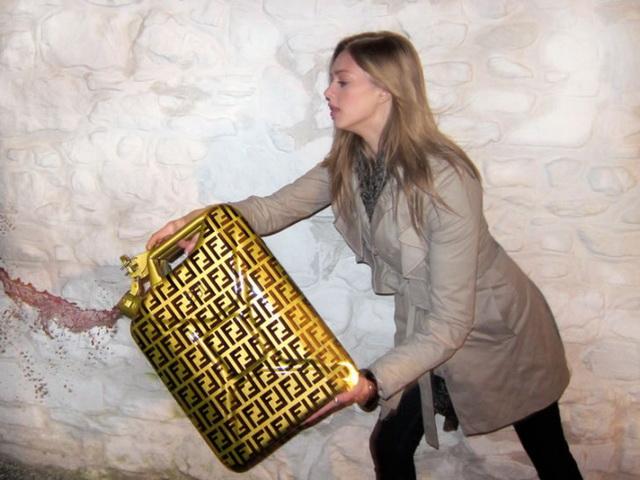 倫敦 DSC設計的「Lady Cans」名牌油桶!Fendi、Louis Vuitton、Chanel 隨你選