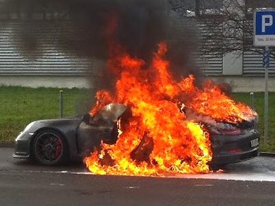 連燒5台車,Porsche保時捷暫時停止911 GT3交車!