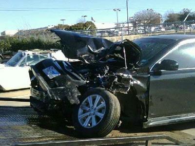 【熱門話題】老夫妻駕駛的進口車遭追撞,疑似剎車失靈只好撞山!