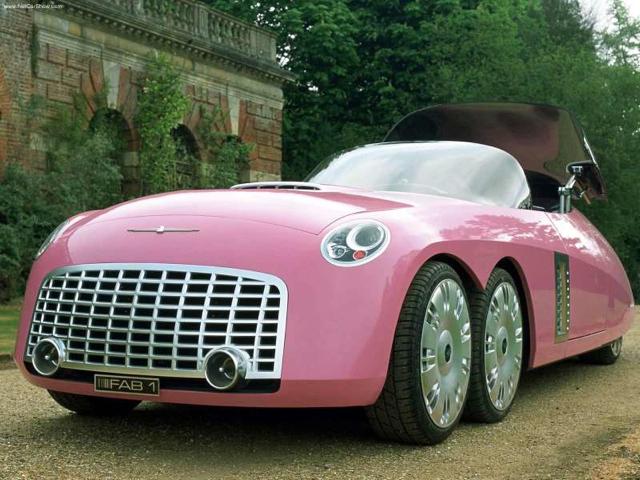 粉色的 Ford Thunderbird FAB-1概念車最適合復活節兔子