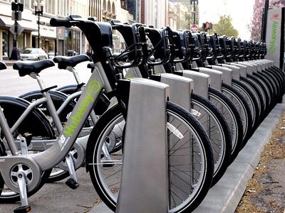 醫生開「腳踏車」處方給身材過胖的病人,想減肥就騎 UBike吧!