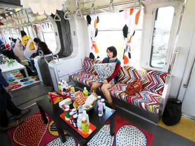 IKEA操刀改裝,日本電車變身舒適家居座艙!