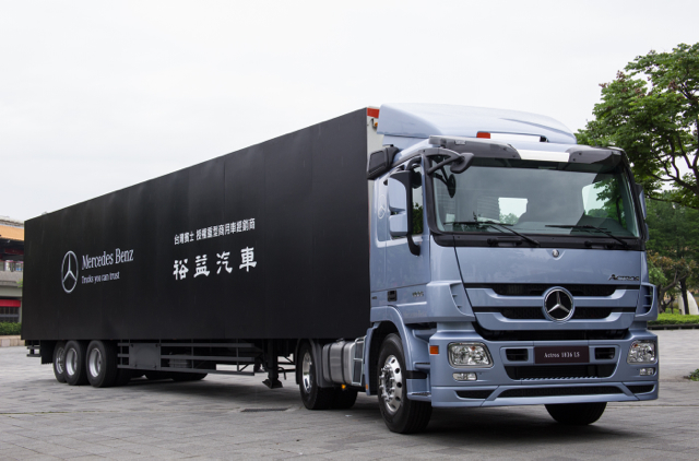 賓士ACTROS 1836 LS展現「Trucks You Can Trust」品牌承諾