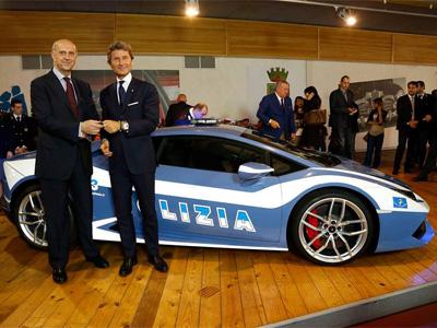 【熱門話題】藍寶堅尼 Lamborghini Huracan LP 610-4超跑加入義大利警察車隊!