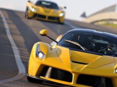 【熱門話題】LaFerrari雙胞胎在賽道上狂飆!