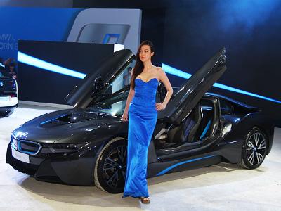 BMW i3電動車與 i8油電跑車正式在台上市!