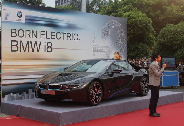 BMW總代理汎德公司熱情呈獻-《第25屆流行音樂金曲獎》