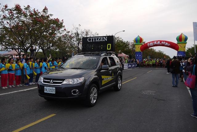 MITSUBISHI OUTLANDE受選2014國道馬拉松指定用車