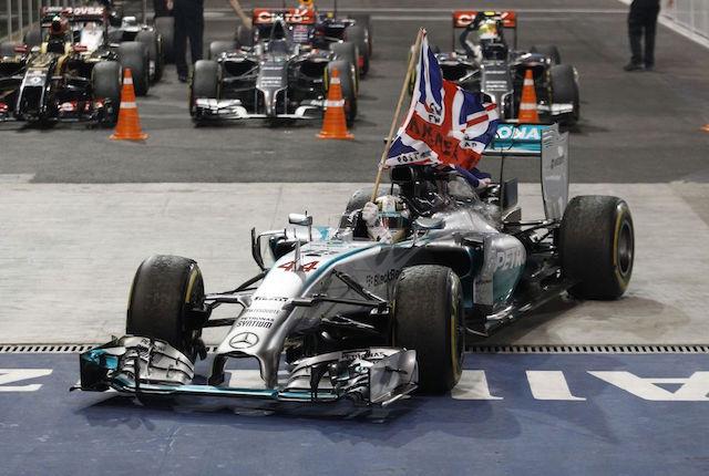 MERCEDES AMG PETRONAS風光完賽阿布達比!Hamilton奪下 2014年 F1世界冠軍