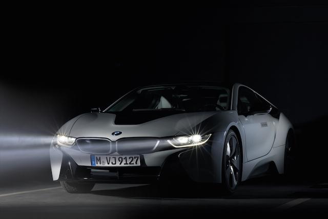 首部BMW i8台灣市場正式交車:搭載BMW雷射頭燈技術