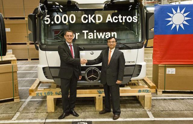 Mercedes-Benz Trucks 第五千台即將到港