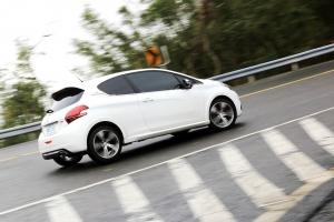 重拾對味的鋼砲精神 ─ Peugeot 208 GTi