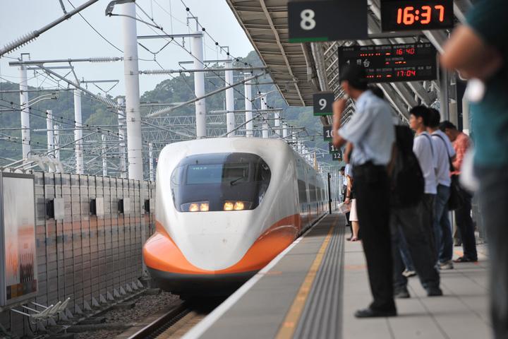 春節高鐵購票還有機會!高鐵再加開17班次、周五凌晨開賣