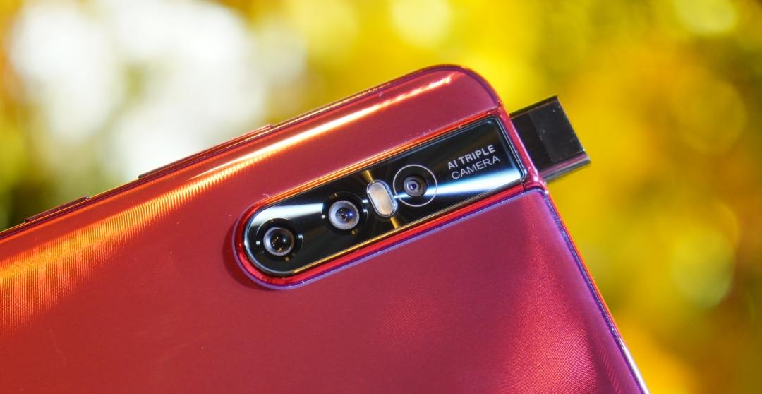 搭載升降鏡頭,Vivo V15 / V15 Pro 售價 10,990 元起今日上市