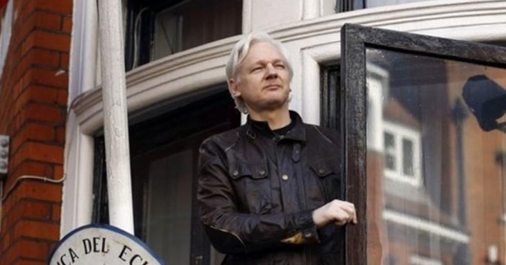 維基解密創辦人阿桑奇終於在七年後被厄瓜多大使館取消庇護,剛剛於倫敦被捕