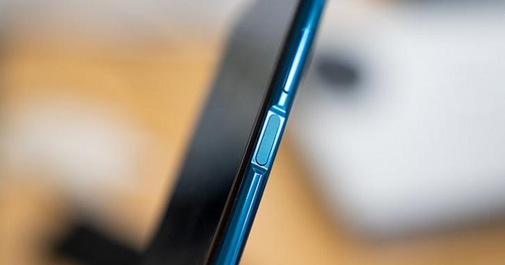 在螢幕下指紋和後置指紋面前,側面指紋真的完全被低估了