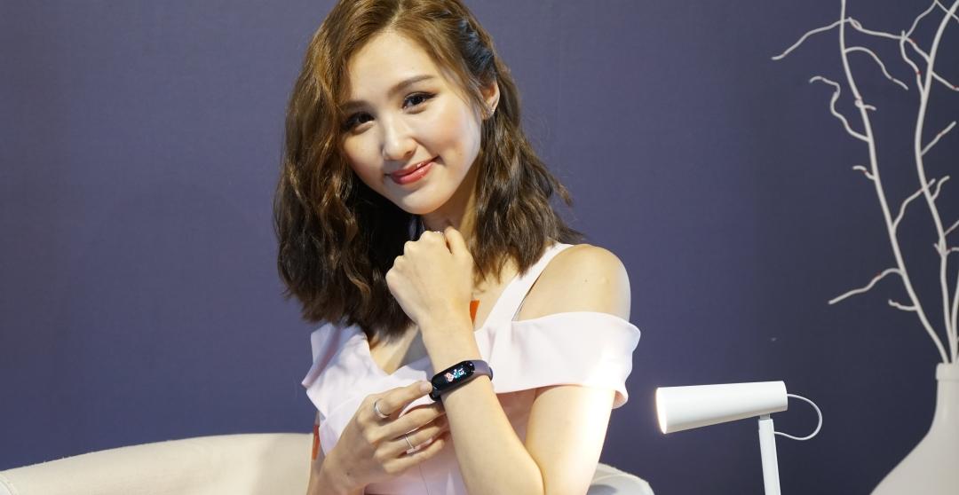 小米手環 4 在 7/9 開賣,售價 865 元、腕帶和小米手環 3 通用