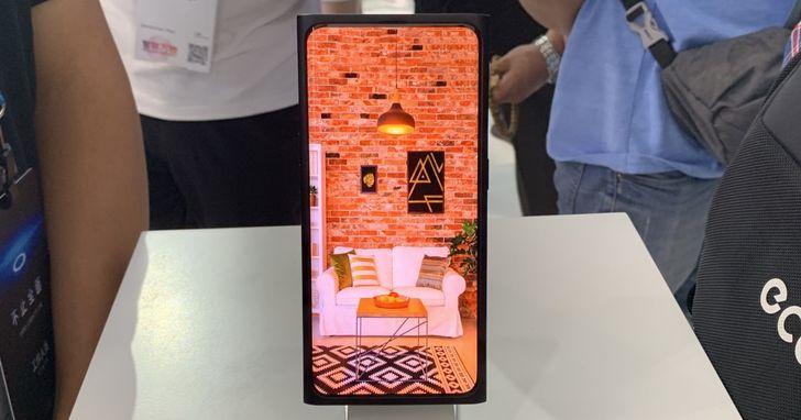 【多圖拆解】揮別手機「瀏海」,OPPO把鏡頭藏在螢幕下究竟難在哪?