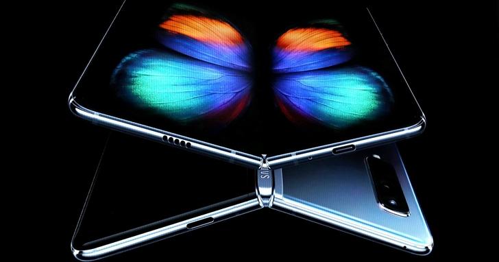 可摺疊手機用塑膠不耐用?超薄的可摺疊玻璃也許是更好選擇