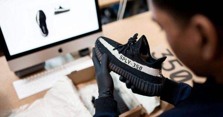 中國電商為何要重金聘用「球鞋鑑定師」,以及這些鑑定師在假鞋原產地生存有多難?