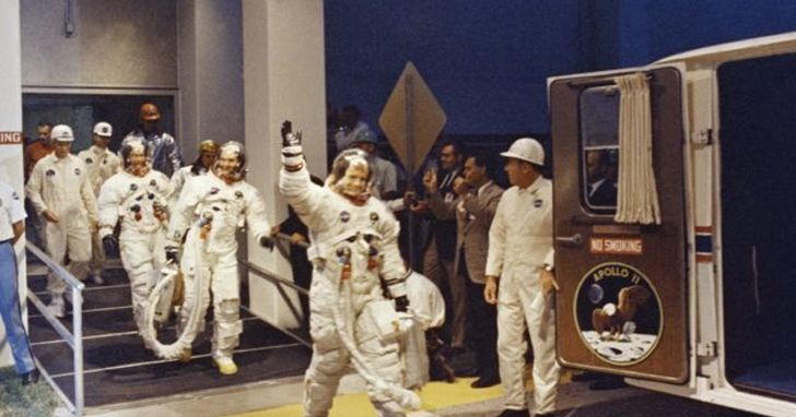 帶我去月球,那些伴隨太空人播放的月亮歌曲