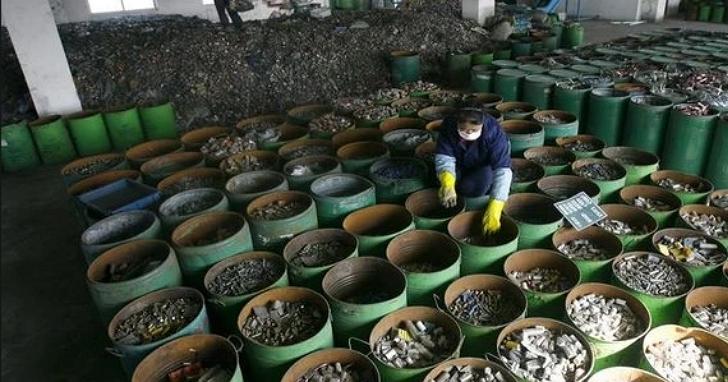 中國為何能稱霸全球鋰離子電池回收市場?