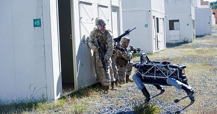 美國陸軍辦了一場機器人軍事演習,未來戰場上的可能都不是人
