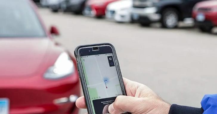 《消費者報告》批評特斯拉「智慧召喚」叫車功能不值得信賴、根本把車主當成白老鼠