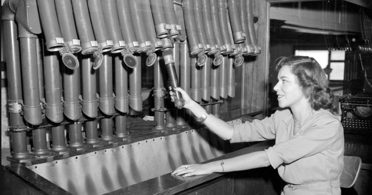 《捍衛任務》中用來下達追殺令的那根「氣動傳輸管」,一百多年前就已經發明了