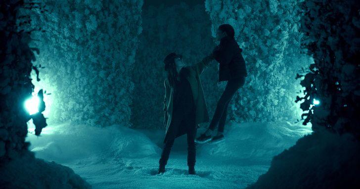 《安眠醫生》中最具魅力的反派首領「高帽蘿絲」,遇上千中選一的「閃靈少女」艾柏拉