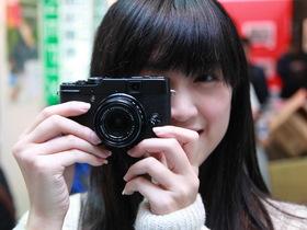 2011攝影器材大展:高階經典輕巧 Fujifilm X10 試玩報告