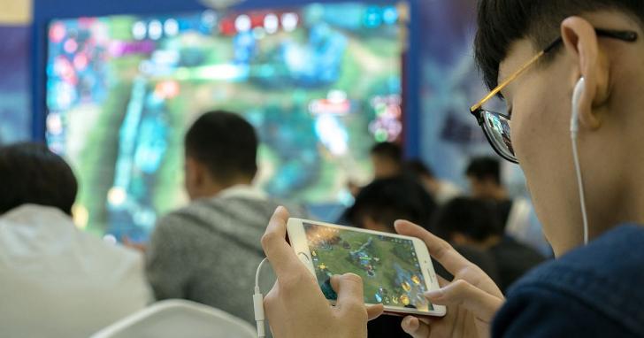 晚上 10 點後不准玩遊戲,每天最多 90 分鐘!中國史上最嚴格的「網癮」規定出爐