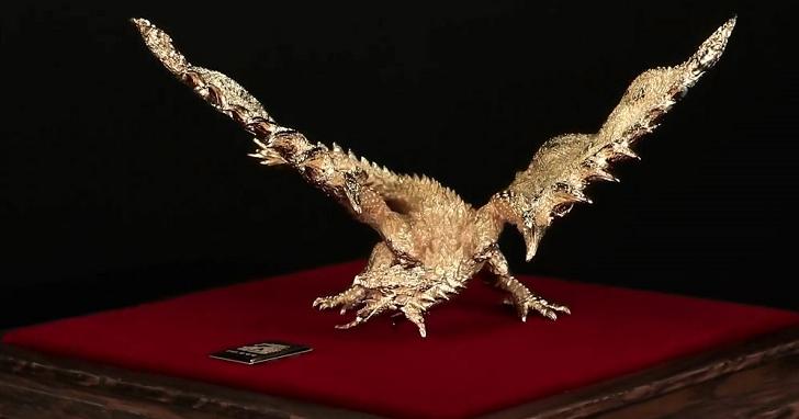 《魔物獵人》玩家的夢幻逸品,24K 金火龍雕像「只要」日幣 880 萬