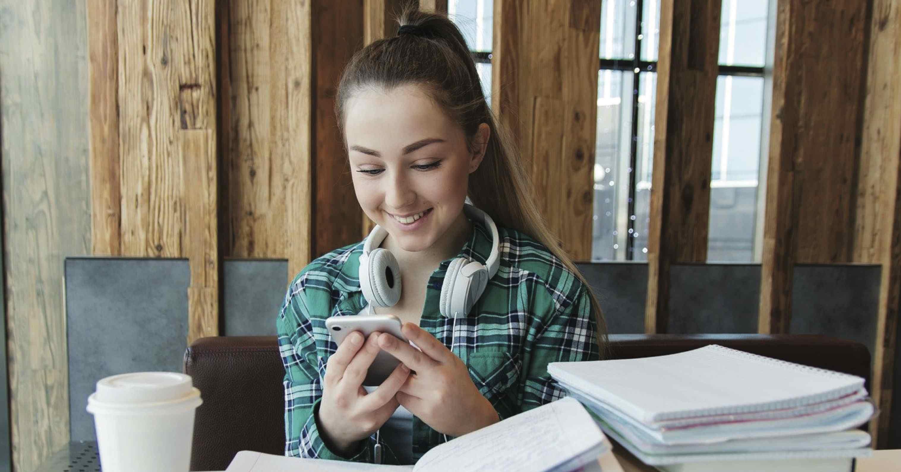 三款CP值高的手機!身為學生的你適合哪支?