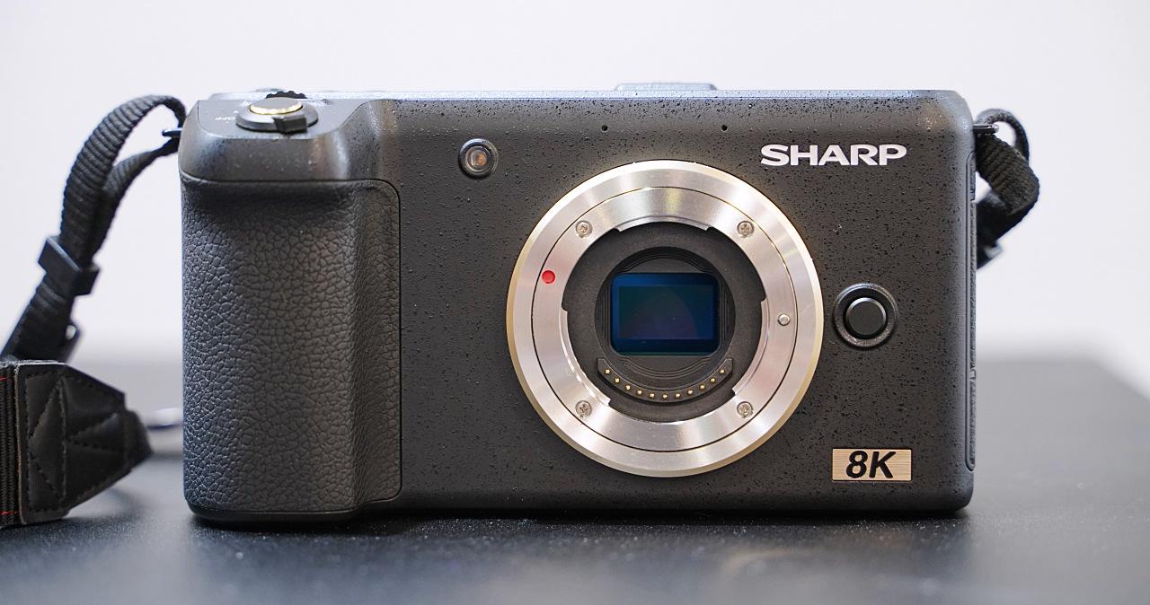 夏普發表全球首台 8K 30p 相機,採用 M4/3 系統售價估 5,000 美元