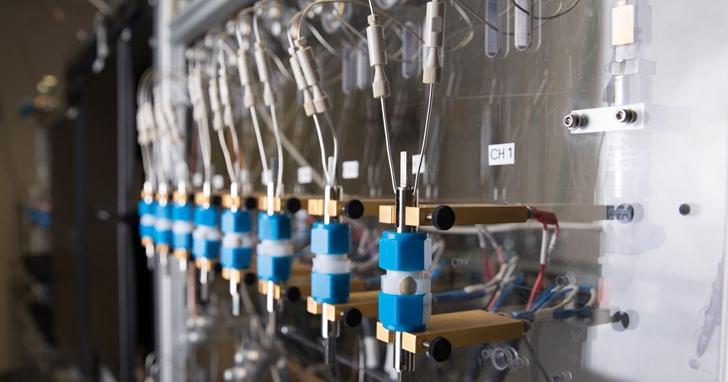 IBM宣佈研發出無重金屬電池,5分鐘可充電80%