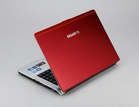 Gigabyte Booktop M2432:接擴充基座變雙顯卡和桌機