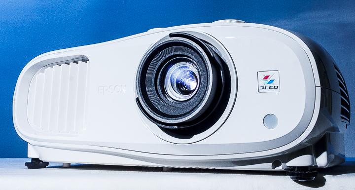 Epson 4K PRO-UHD 家庭劇院投影機 EH-TW7000 深度評測:以合理的價格享有鮮銳畫質與豔麗色彩!