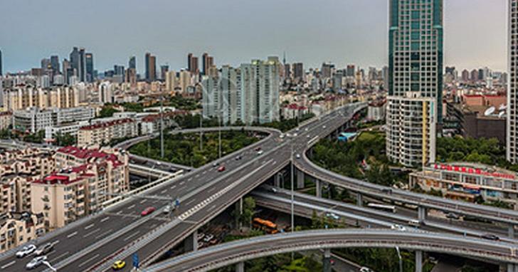 武漢肺炎讓中國覺得污名化,改名之後山東青島「新冠高架橋」坐不住了