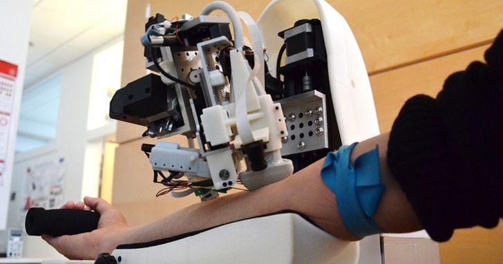 抽血找不到血管?科學家用AI加上近紅外線、超音波成像搞定了這件事,你才知道當個護士有多難