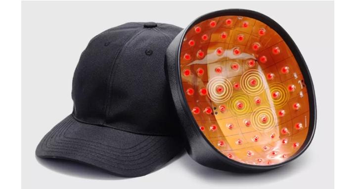 小米眾籌推出 COSBEAUTY LLLT 生髮帽,號稱12周可長出新髮、價格約台幣6500元