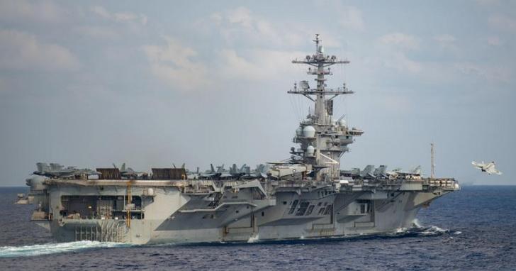 美軍「羅斯福號」航母艦長遭解職,原因為「吹哨」公開疫情求救信、高層稱對其領導能力失去信心