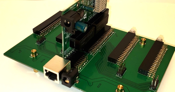 CloverPI 4合1控制版,整合操作4片Raspberry Pi