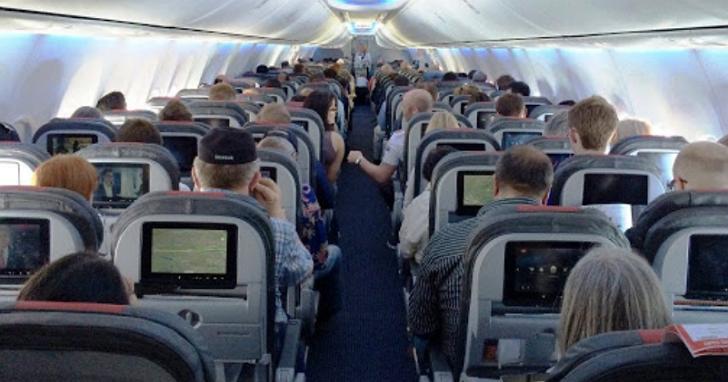 確診案例都集中在飛機中後段,飛機座位經濟艙比商務艙更毒?航空公司解釋