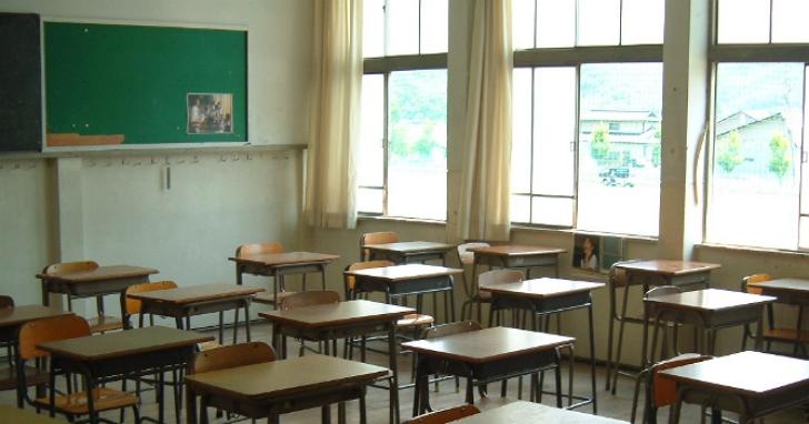 教育部宣布未來會考、統測不開放家長陪考,而且沒戴口罩將不計分