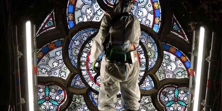 失火一週年,科學家們如何透過研究石頭和鐵鏽修復巴黎聖母院