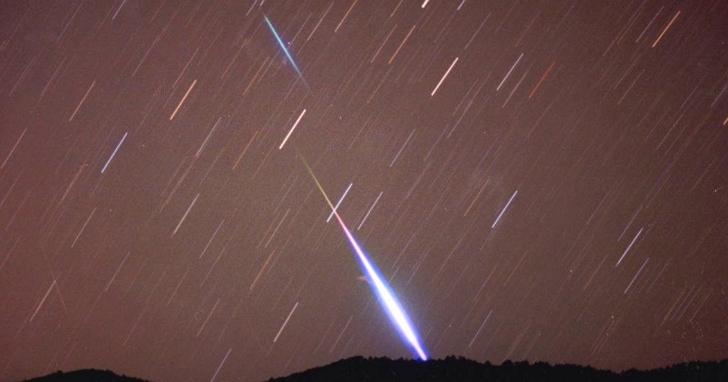 天琴座流星雨22日凌晨極大,估計每小時能看見23顆流星!天文館網路直播
