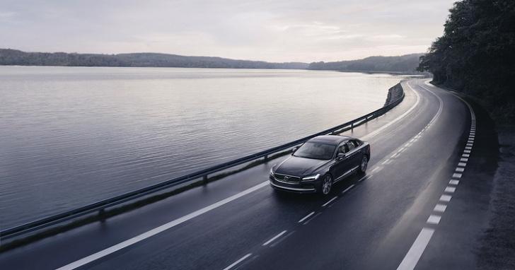 別開太快!VOLVO 未來新車極速將限制在 180 km/h,並會導入晶片鑰匙