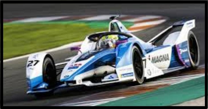 Formula E賽車手在虛擬賽中找電競玩家「代打」遭車隊解約,眾多職業車手紛紛從電競賽「退群」