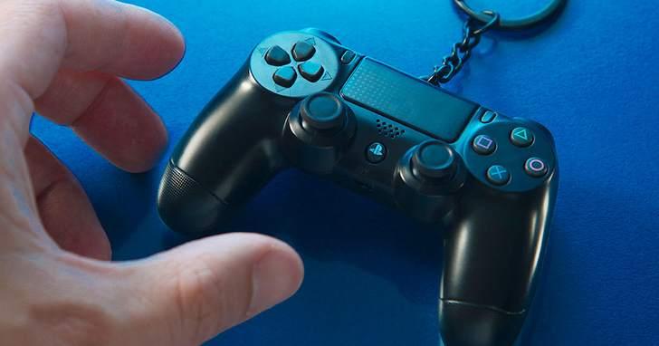 電玩迷必備!DUALSHOCK 4 無線控制器造型悠遊卡, 6 月 3 日起開放預購